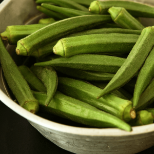 オクラで便秘解消!ネバネバの「食物繊維」の効果やおすすめレシピも紹介