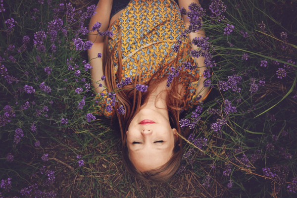 アロマオイルでストレス性便秘の解消に!リラックス効果で自律神経を整える