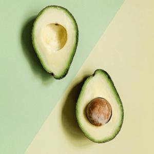 アボカドは食物繊維バランスが理想的!便秘解消の効果やおすすめレシピ